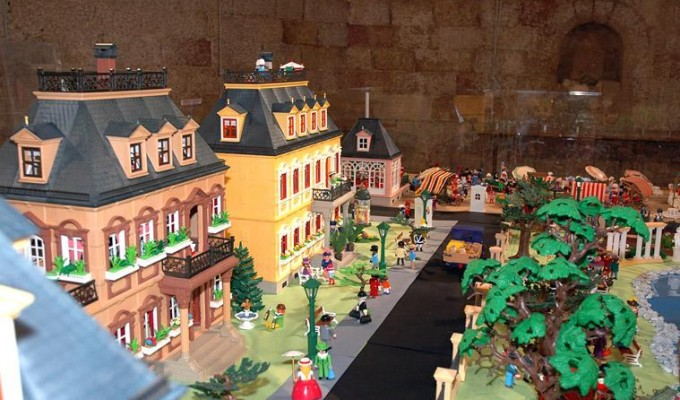 http://www.viulafesta.cat/wp-content/uploads/2014/04/CLICKANIA_PLAYMOBIL_MONTBLANC-wpcf_680x400.jpg